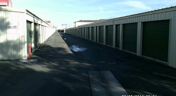 Reno nv 89511 self storage units a american self storage for Ridgecrest storage units