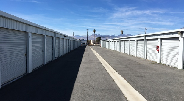 Self storage units in ridgecrest ca 93555 a american for Ridgecrest storage units