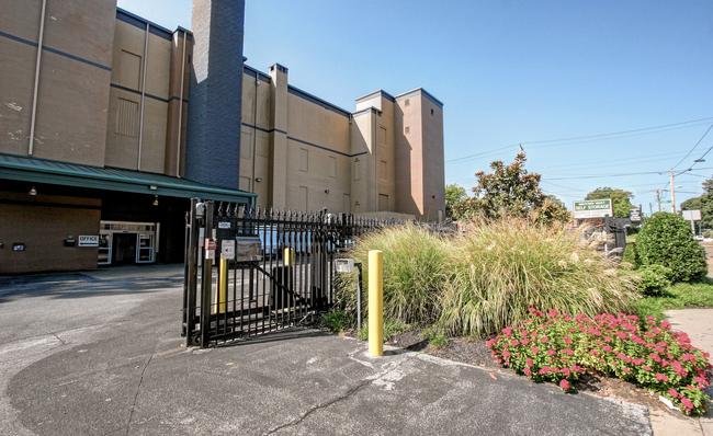 secure gates at midtown vault storage