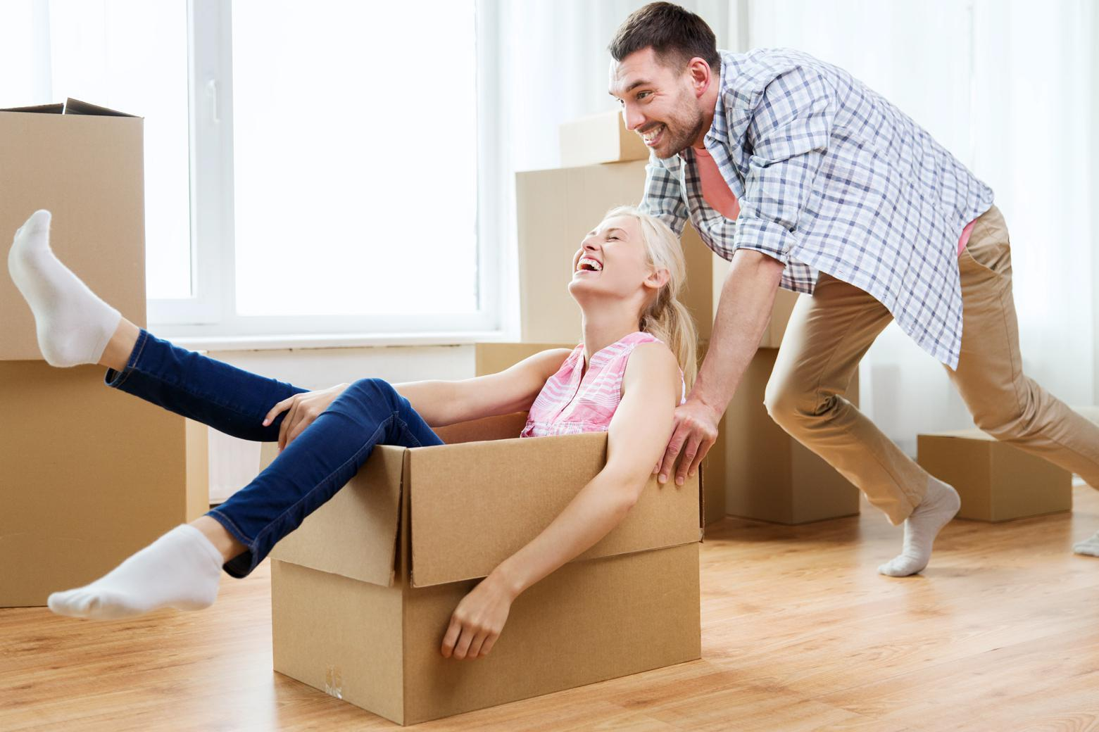 couple using moving advice from Affordable Family Storage