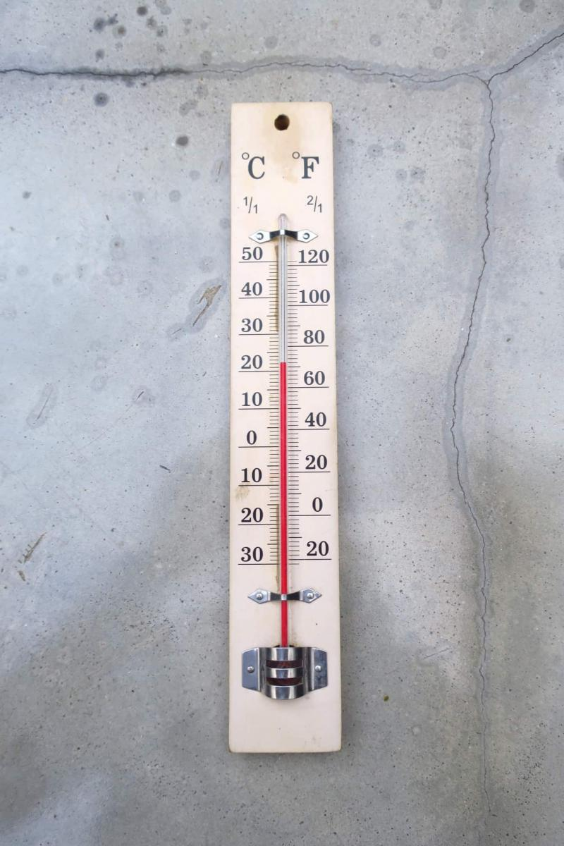 Thermometer for climate controlled storage facility