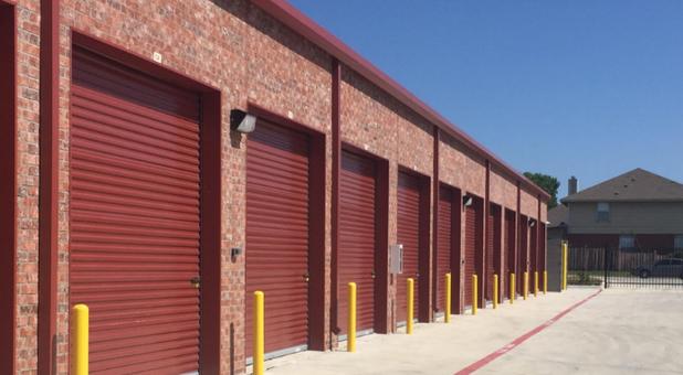 Self Storage Facility Near Arlington, TX