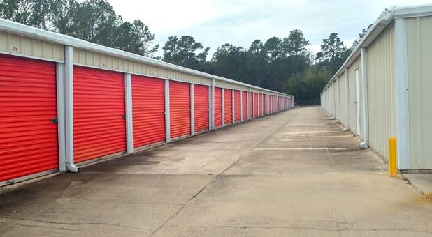... Self Storage Drive up Units ... & Brunswick GA Storage Units (31520) | American Mini Storage