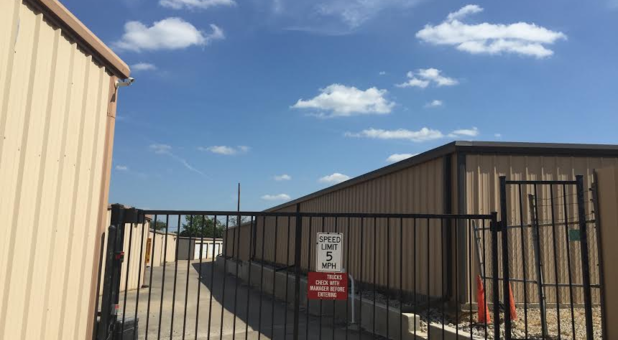 Safe & Secure storage facility in Mansfield, TX