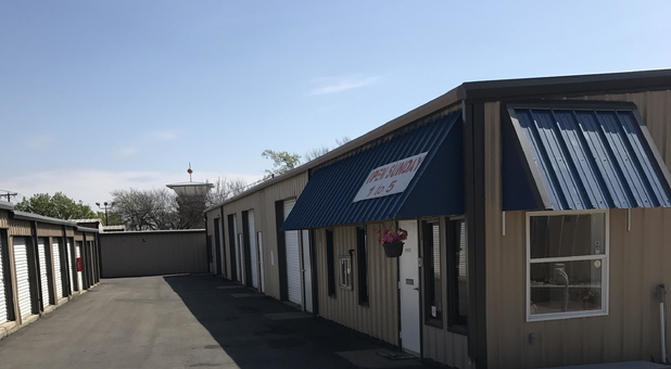 Self storage facility in Mansfield, TX