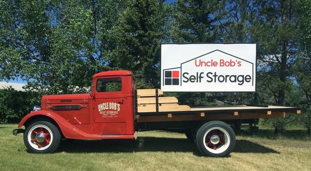 Uncle Bob's Self Storage Aldersyde, AB Canada