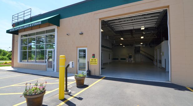 Burlington Self Storage of Derry & Storage Units in Derry NH 03038 | Burlington Self Storage