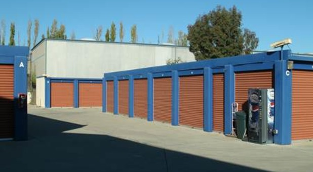 Self Storage Units in 93427