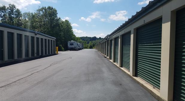 Storage Units Near 07419