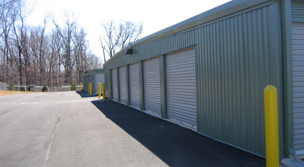 drive up units at Charlottesville Self Storage at Crozet