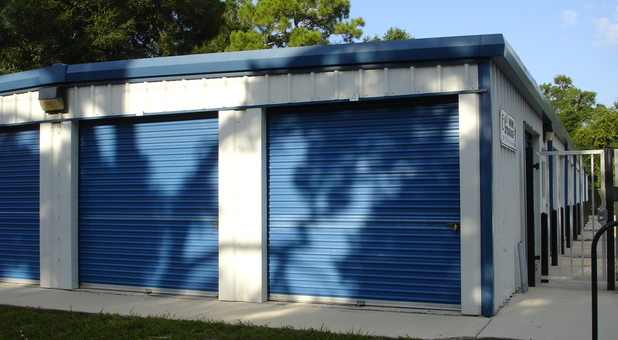 Charmant Drive Up Access; Roll Up Doors; Indoor Storage ...