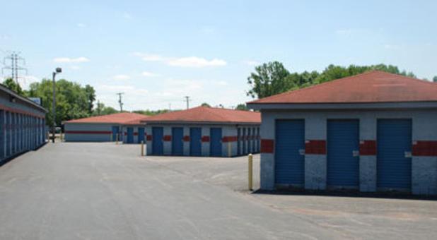 Jeffersonville, IN self storage on Hwy 62