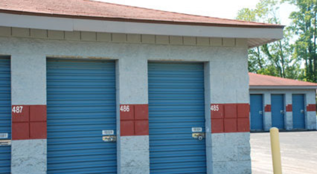 Rent a storage locker in Jeffersonville, IN today!