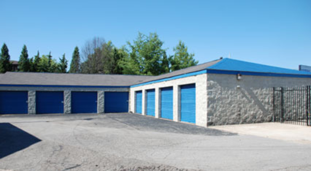 Self storage with drive up access