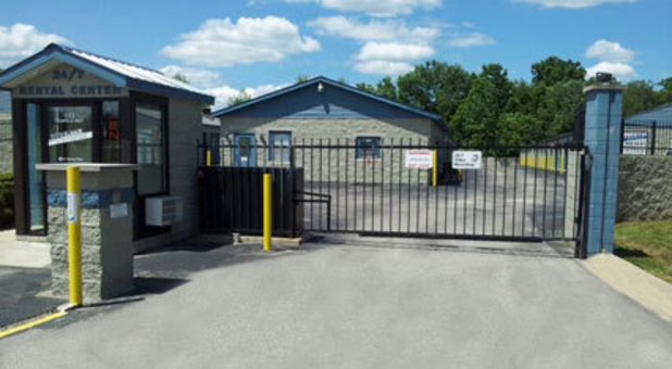 Self storage with a fenced perimeter