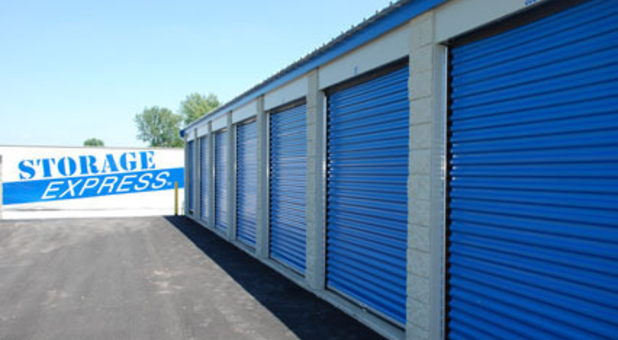 Storage units from 5x5 to 20x30