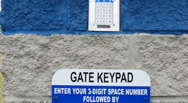 Electronic gate keypad