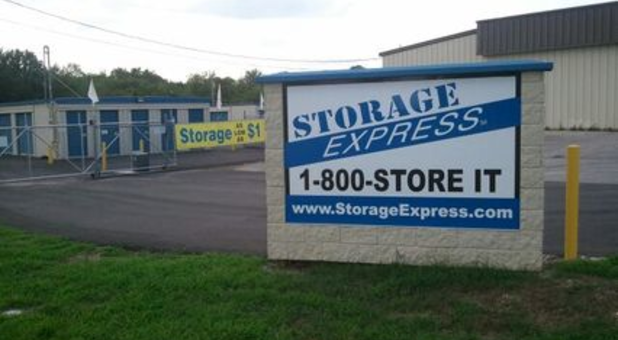 Chapel Hill, Tennessee self storage