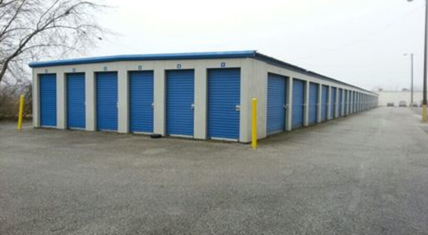 Outdoor self storage space