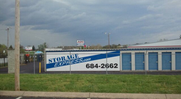 Self Storage In Shelbyville Tn 37160 Storage Express