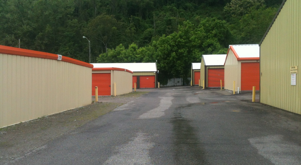Professional and modern self storage facility