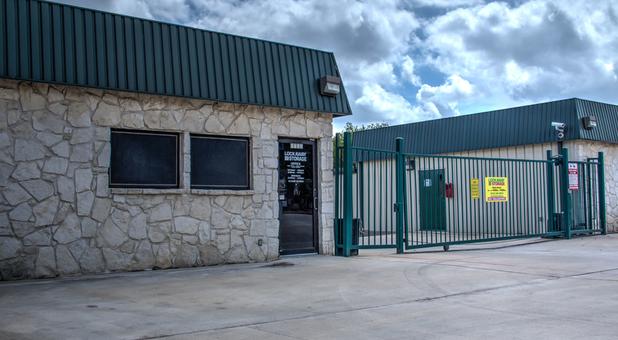 San Antonio Tx Self Storage Units 78213 Lockaway Storage