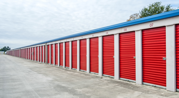 Clean Outdoor Storage Units