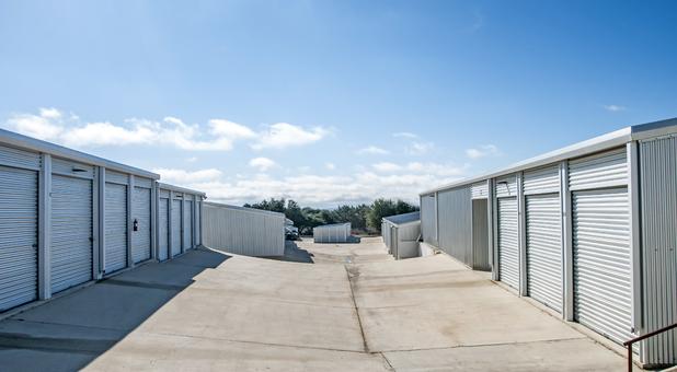 storage units in 78006