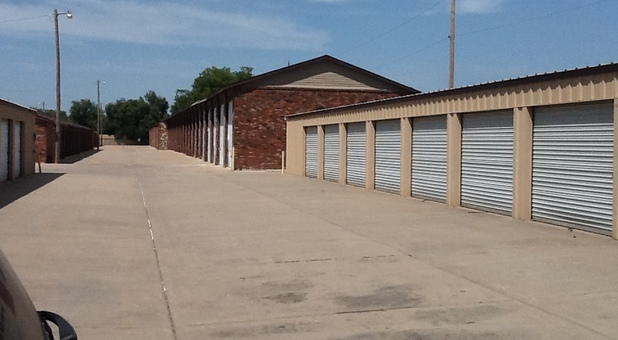 facility entrance; row of units ... & Wichita KS Storage Units in 67203 | Max Secure Storage