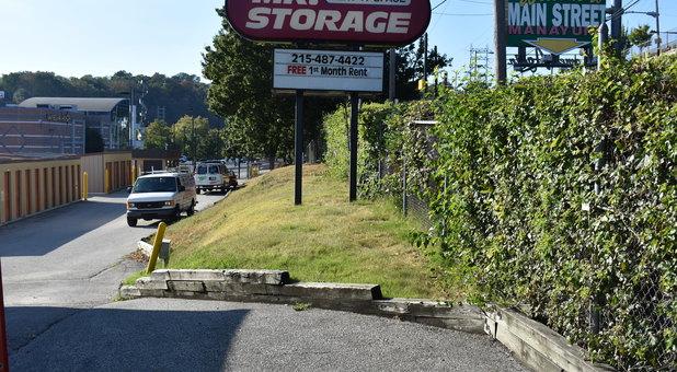 Manayunk Storage Drive up