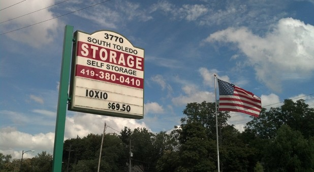 South Toldeo Self Storage Sign