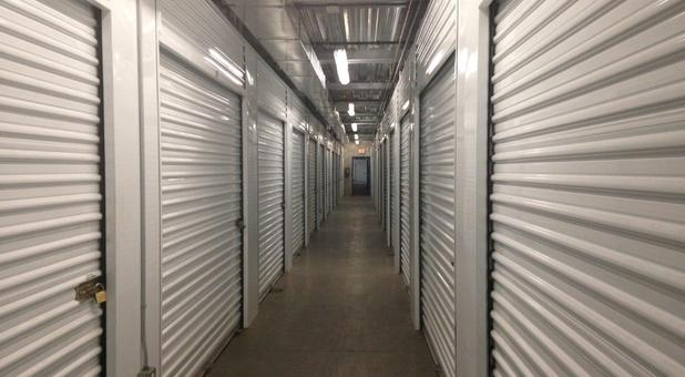 Indoor Storage Units - Slymar, CA