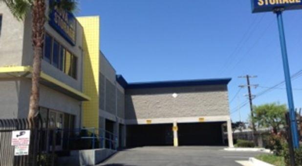 Los Angeles, CA Storage Units