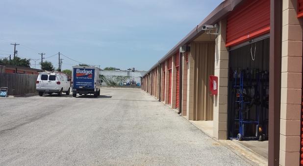 Self storage units in San Antonio , Texas