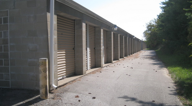 Side view of Spanish Lake storage units