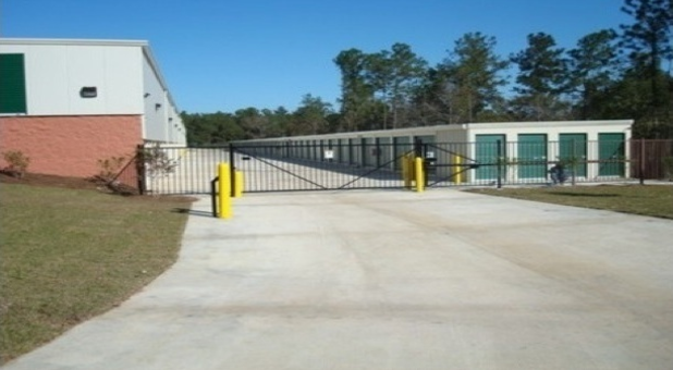 Gated facility with 24 hour access