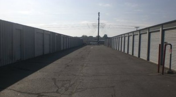 drive right up to your outdoor self storage unit in Tempe, AZ