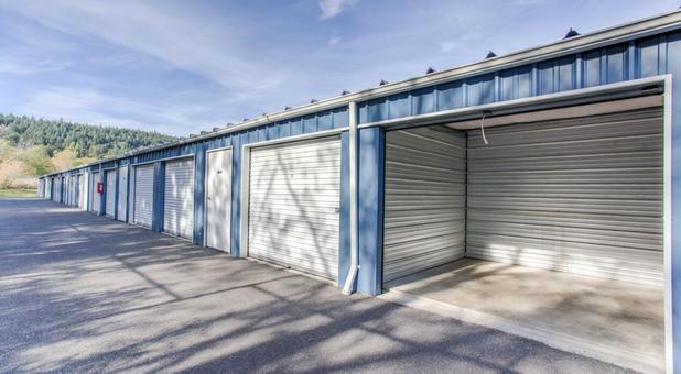 Drive Up Storage Units 98221