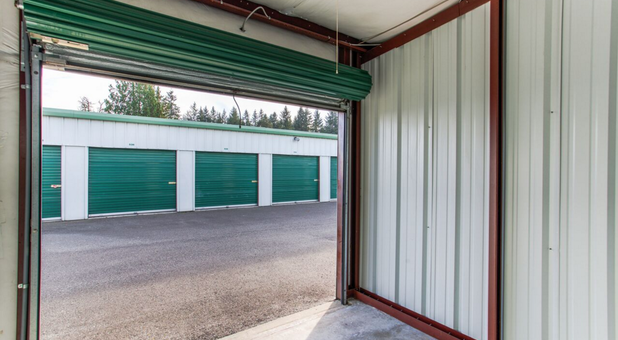 Wide Ourdoor drive-up units In Arlington,WA