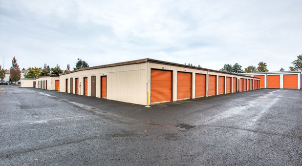 ... Drive Up Storage Units ... & Self Storage in Oregon City OR Money Saver Mini Storage 97405