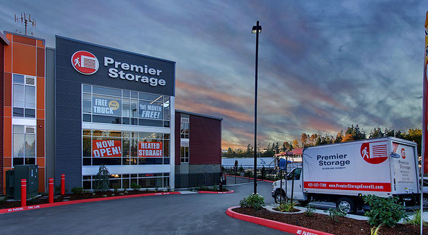 Premier Storage Everett entry