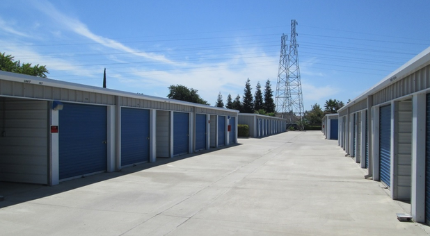 manteca outdoor storage units