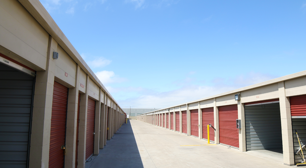 Self Storage Units Amp Rv Parking In Oakland Ca 94621