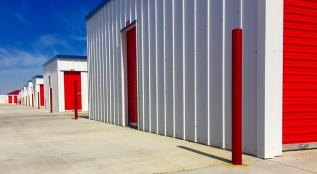 affordable drive-up storage in Bakersfiled, CA