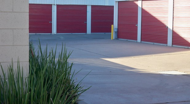 drive-up storage lockers at StoragePRO in Richmond, CA
