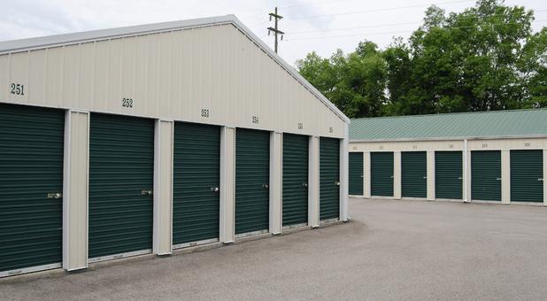 Storage Units 40403