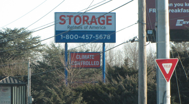 Storage Rentals of America, DE