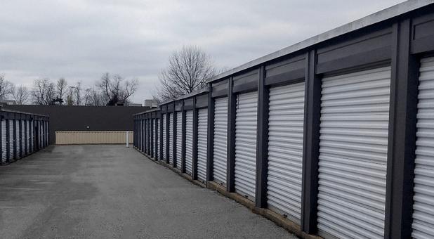 Storage Units 40601