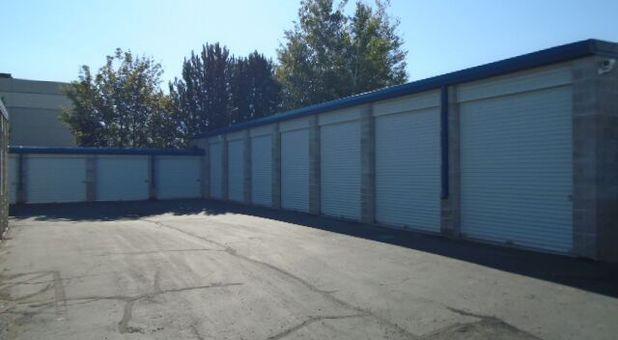 84062 Storage Units