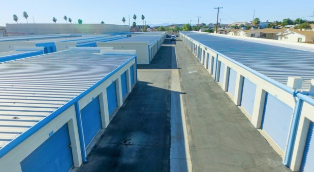 Large Drive Up Outdoor Self Storage